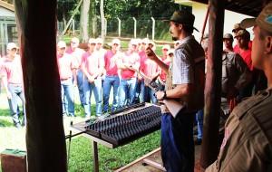 Bombeiros fazem aulas no CRAS 2